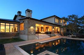 3 Questions to ask yourself before hiring luxury home builders